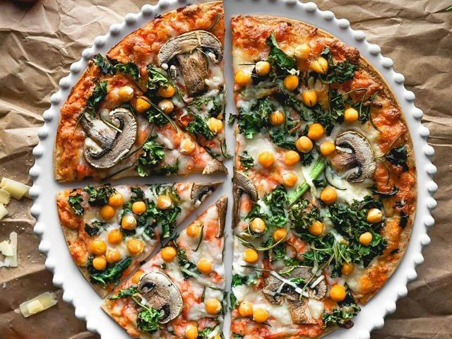 Chickpeas, Mushrooms & Rosemary Pizza