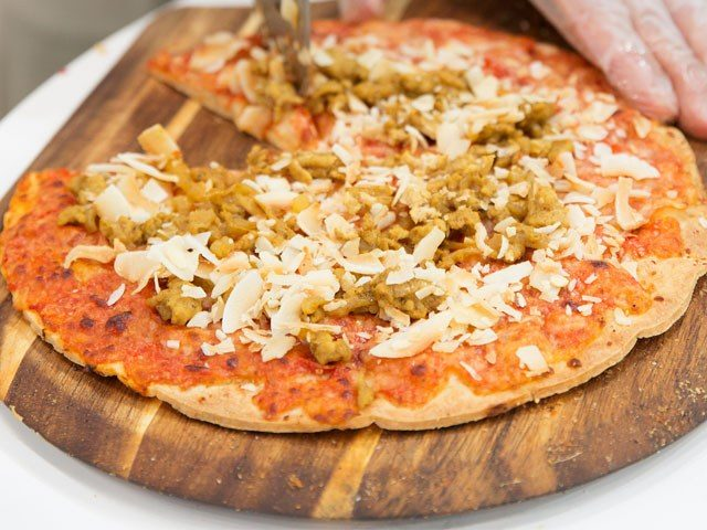 Golden Onions Toasted Coconut Chicken Pizza