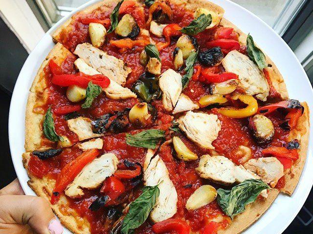 Roasted Garlic & Grilled Chicken Pizza